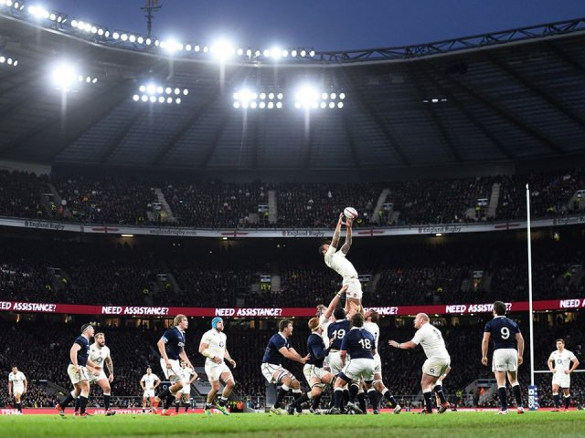 England v Scotland line out