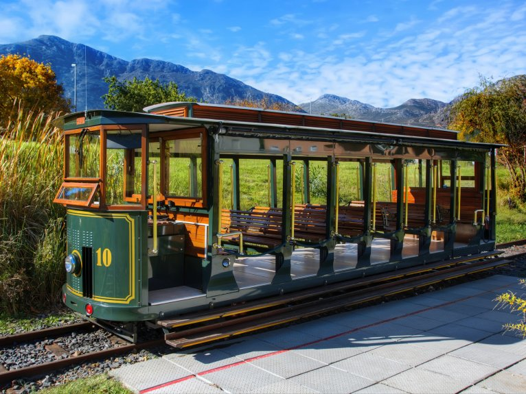 FRANSCHHOEK WINE TRAM FULL DAY TOUR